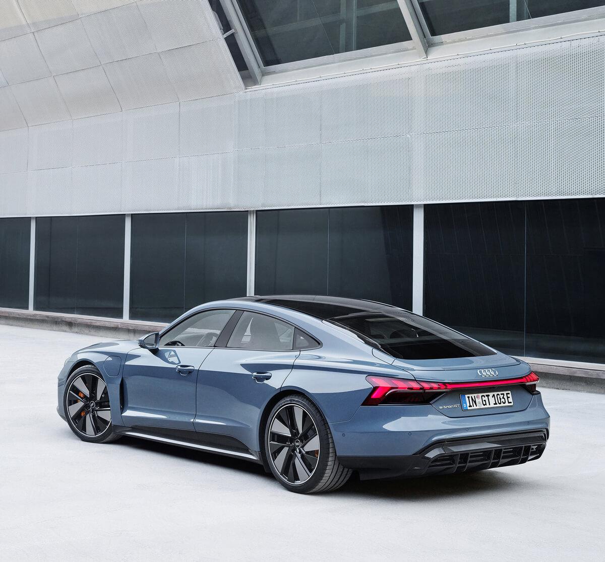 Audi e-tron GT quattro Color Kemora grey metallic