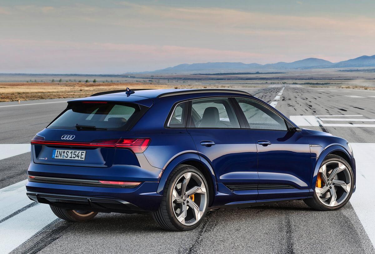 Audi e-tron S rear