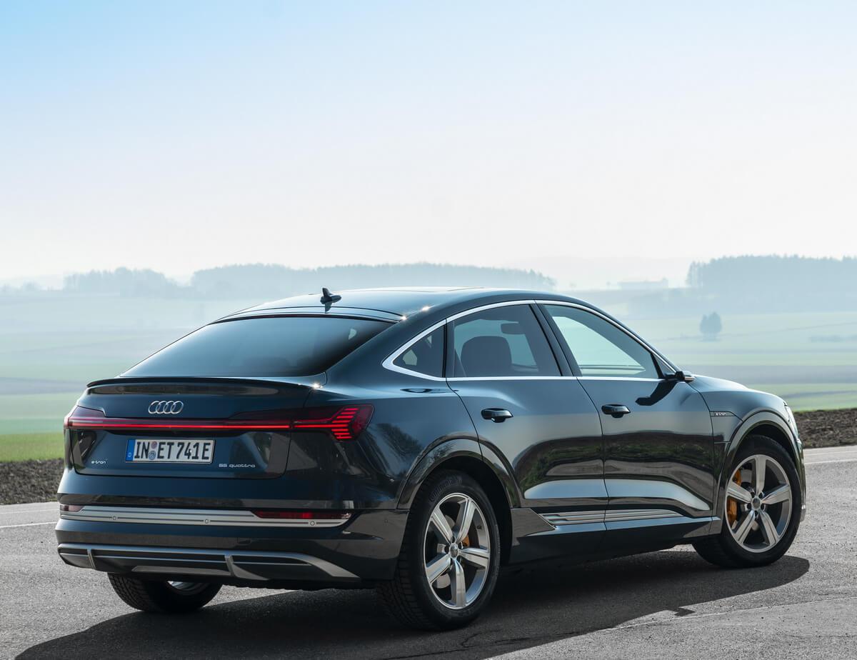 Audi e-tron Sportback 50 quattro Colour plasma Blue