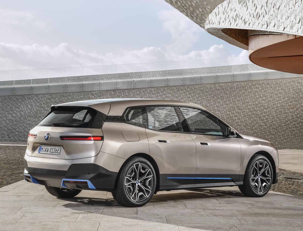 BMW iX xDrive50 Rear