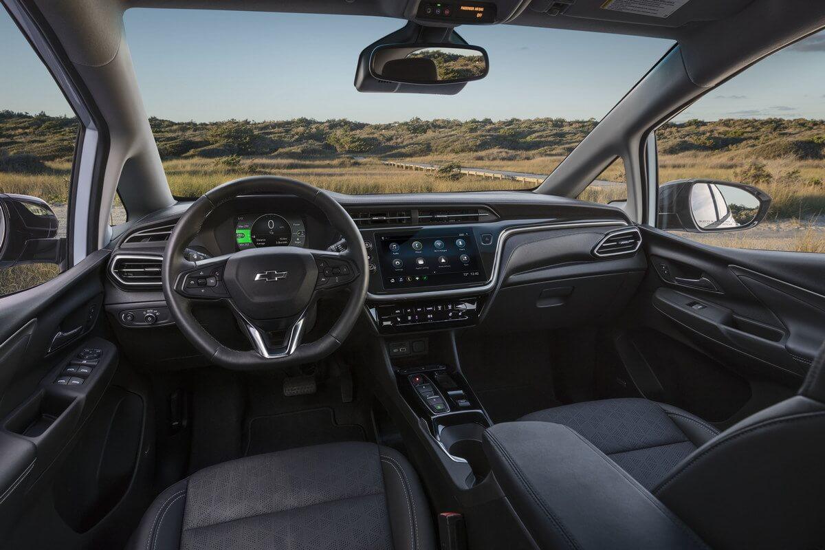 Chevrolet Bolt EV interior 2021