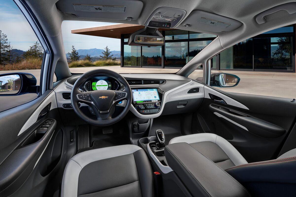Chevrolet Bolt EV rear 66 kWh 2017, 2018, 2019, 2020