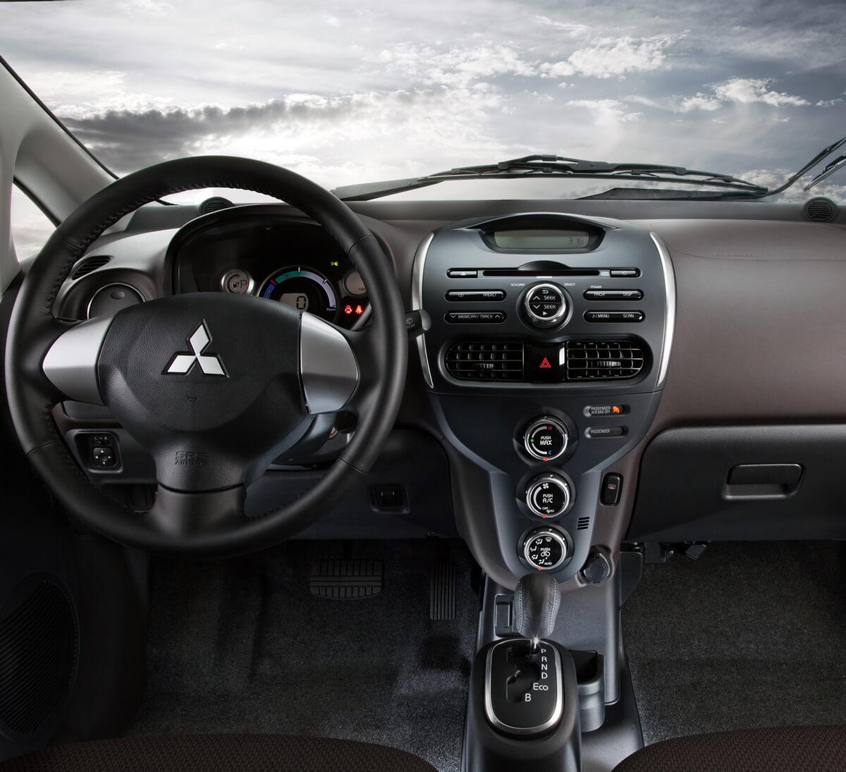 Mitsubishi i MiEV interior