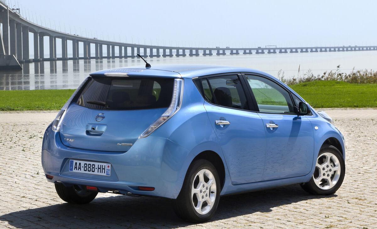 Nissan Leaf 24 kWh 2011 2012 2013 rear