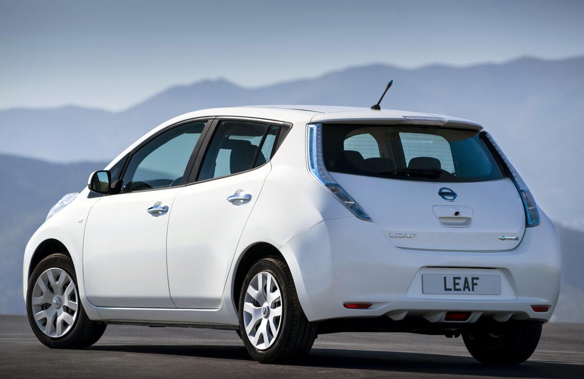 Nissan Leaf 24 kWh 2014 2015 2016 2017 specs rear