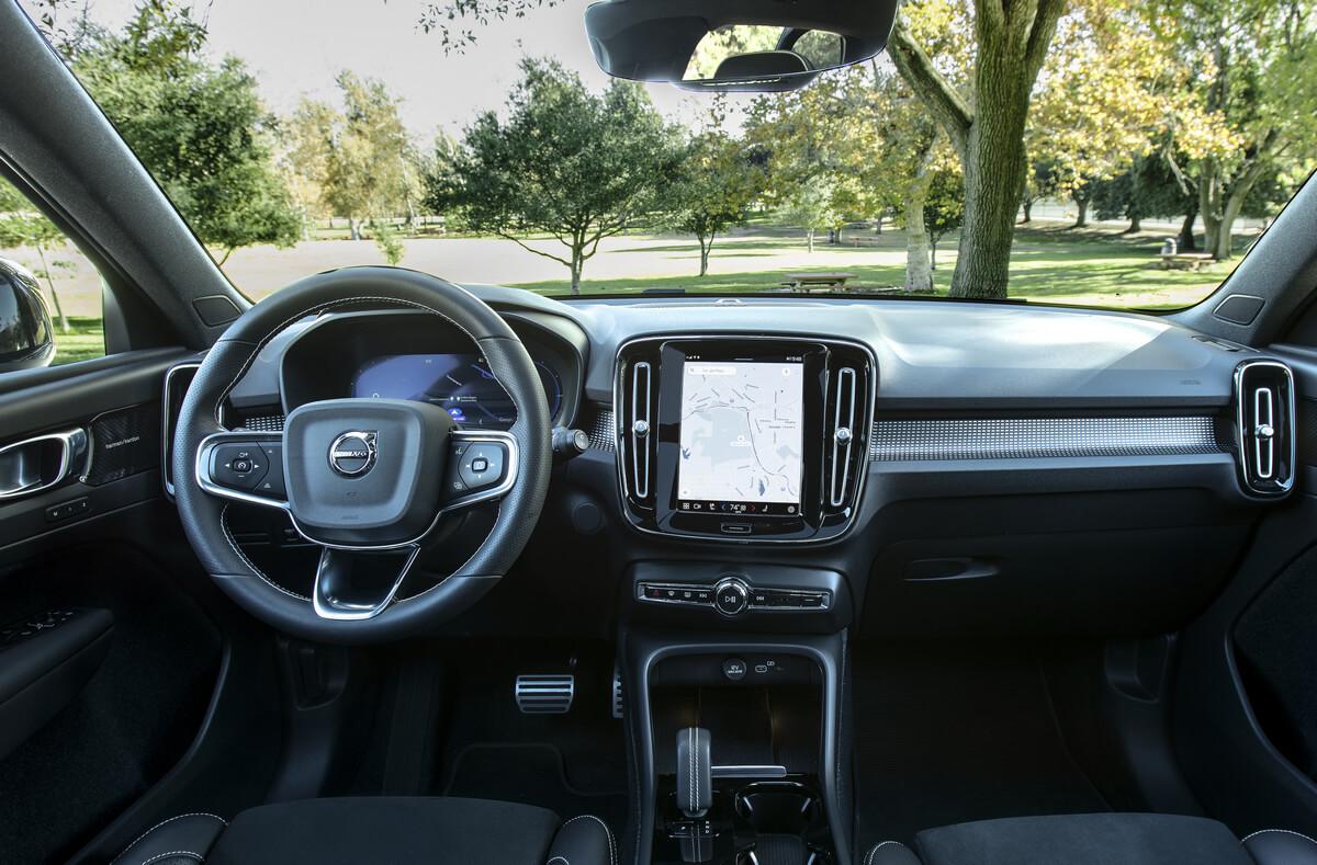 Volvo XC40 Recharge P8 AWD Interior